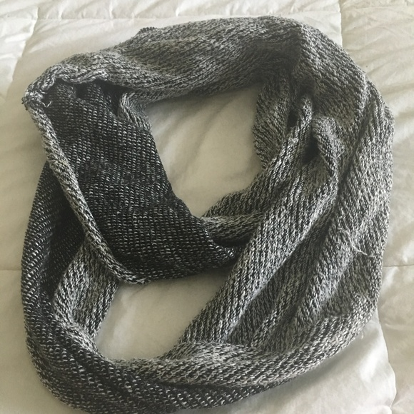 Urban Outfitters Accessories - Urban Outfitters Infiniti Scarf